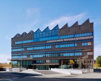 Lindholmens Tekniska gymnasium, exteriör