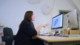 Hur kan AI hjälpa till att formge framtidens museiupplevelse? Häng med när Monica Förster Design Studios skapar rum för vår nya utställning Hyperhuman.