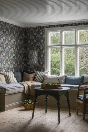 DahliaGarden_Image_Roomshot_Livingroom_Item_7690_PR