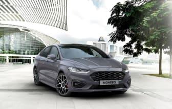 Nya Ford Mondeo Hybrid presenteras på motormässan i Bryssel.