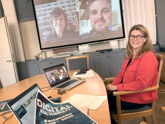 Foto på Pernilla Ekvall Liljeqvist, kultursamordnare Karlshamns kommun, Povel Andersson, verksamhetsproducent på Teatersmedjan och Maria Sköldqvist, kulturchef i Karlshamns kommun.
