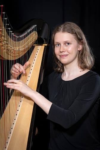 Jael Caselunghe, harpa.jpg