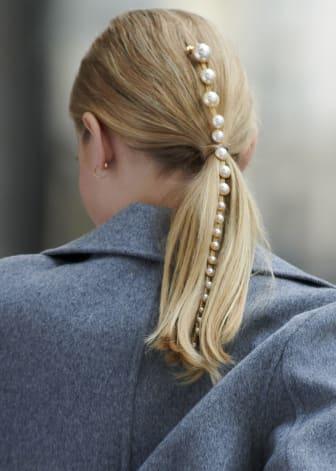 Hair decoration model pic