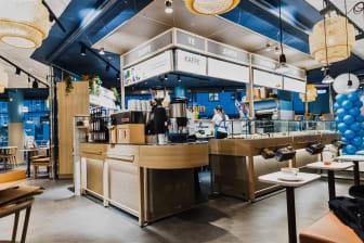 Waynes nya kafé ligger i Cityarkaden med  entré från Västra Storgatan