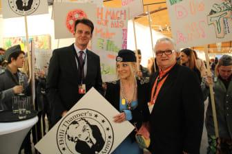 links Dr. Marcus Kremer (Vorstand MVG), Billi Thanner, rechts N.N.