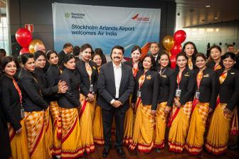 Air India crew and Pankaj Srivastava, Commercial Director at Air India