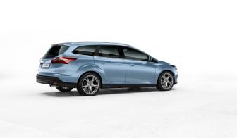 Nya Ford Focus kombi i färgen Glace Blue - bild 2