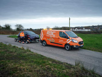 The RAC All-Wheels-Up recovery kit in action