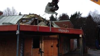 Nu (dec 2013) rivs gamla Hovåsboden och ger plats för nya bostäder