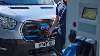 Ford_E-Transit_Front_7_8_Charging_Talent