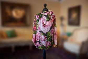 Sara Danius Dolce Gabbana blus blommönster.jpg