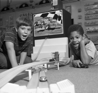 1970s_Boys with Hot Wheels Track_4