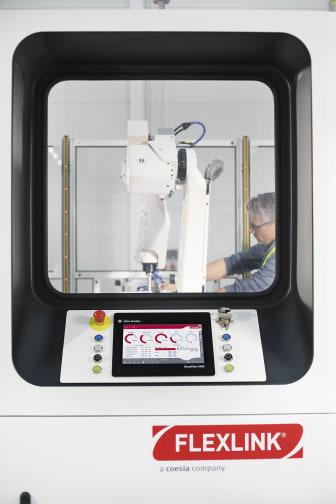 The New RI20 Palletizer Simplifies Complex Processes