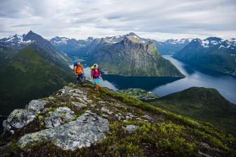 Trail running and hiking  Hjørundfjorden-Mattias Fredriksson - VisitNorway.com (2).tif