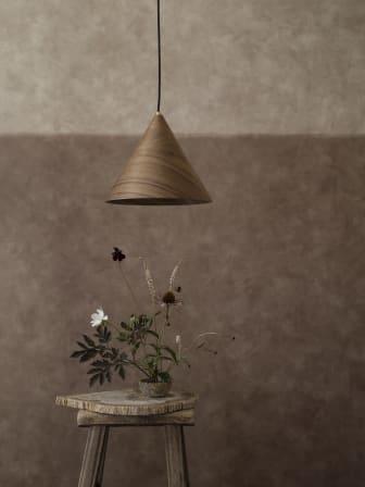 Chalk_Mural-3_Image_Roomshot_Bedroom_Item_5092_lamp_PR