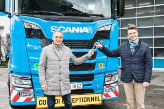 Horst Felbermayr, CEO Felbermayr Transport- und Hebetechnik GmbH & Co KG und Manfred Streit, Dirketor Scania Österreich .jpeg