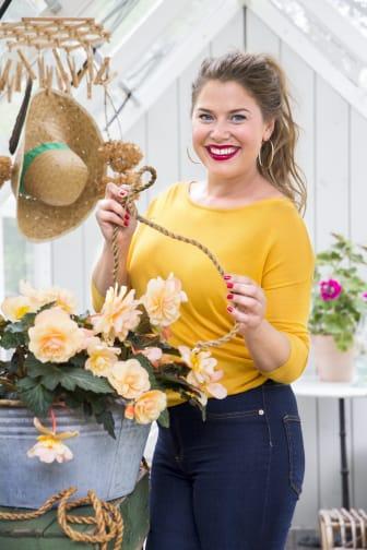 Jessica Frej väljer färgglada amplar