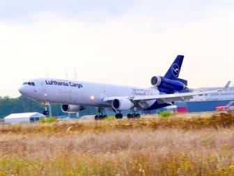 MD-11_Landing_17OCT