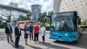 Bus-Übergabe - Niederflurbus Scania Citywide in der Autostadt_a.jpg