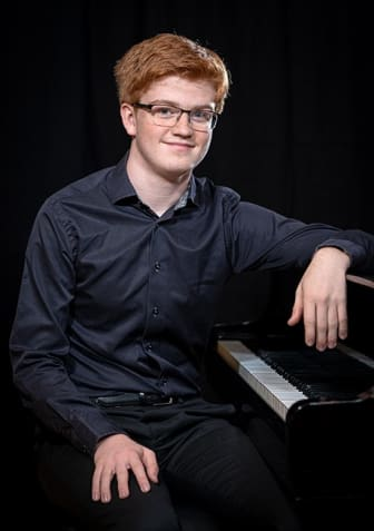 Vilhelm Moqvist, piano.jpg