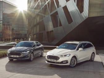 Ford Mondeo Hybrid som kombi presenteras på motormässan i Bryssel.