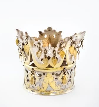 Samisk brudkrona av delvis förgyllt silver