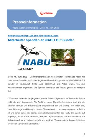 Mitarbeitende spenden an NABU Gut Sunder