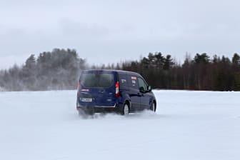 Nya Ford Transit Connect får bekänna färg i Arctic Van test. bild 2