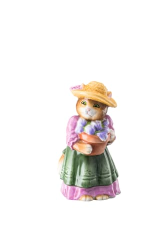 HR_Collector's_Items_Porcelain_Figurines_3