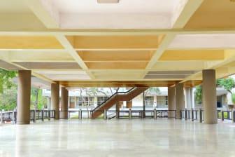 Sikkens-ColourFutures21-Timelesspalet-Schoolgebouw