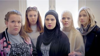 Skam, sesong 2 Chris (Ina Svenningsdal), Eva (Lisa Teige), Sana (Iman Meskini) Vilde (Ulrikke Falch) og Noora (Josefine Frida Pettersen) NRK