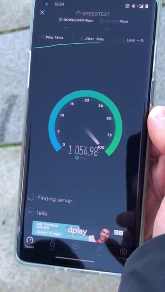 Telias 5G-hastigheter utenfor Stortinget i Oslo.