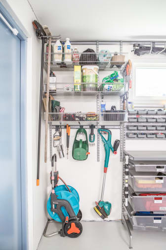 Elfa_garage_storage_swedishfamily_overview 4a