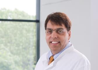 Dr. med. Arvind Chandra