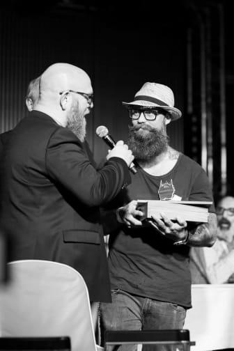 """Förra årets vinnare Torbjörn Olofsson (vinnare av """"Styled Full Beard 2016"""") tävlar i år igen i """"Best Styled Beard 2017""""."""