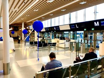 Nya delen av avgångshallen på Bromma Stockholm Airport. Foto Hans Uhrus.