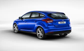 Nya Ford Focus 5-dr i färgen Deep Impact Blue - bild 2