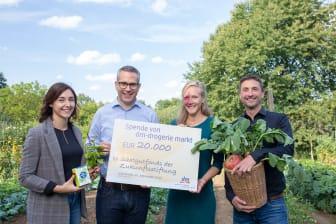 dm spendet 20.000 Euro an den Saatgutfond der Zukunftsstifung
