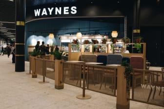 Waynes erbjuder möjlighet till en stunds avkoppling och en god fika