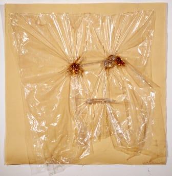 Lenke Rothman, Ansikte i plast med guldtrådar, 1975