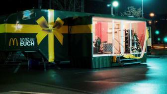 McDonald's_Ganz_bei_Euch_Nikola_Gespräch_Familie.jpg
