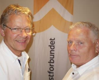 Haralg og Jan ved banneret