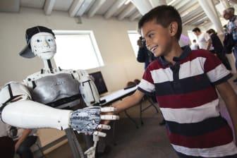 Humanoid robot på Stockholm Mini Maker Faire. Foto: Anna Gerdén