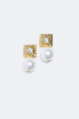 Store perleøredobber med gulldetaljer