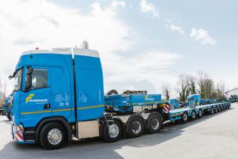 Die weltweite erste Schwerlastsattelzugmaschine der neuen Scania V8-Motoren Generation.jpg