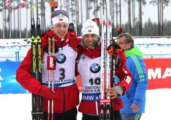 Tarjei Bø og Ole Einar Bjørndalen etter jaktstarten, VM i Kontiolahti 2015