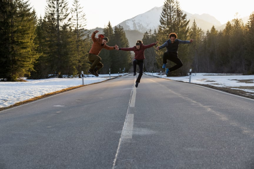 Maier Sports_Winterwandern_Sprung_Gruppe