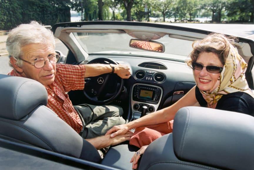 Best-Ager im Cabrio