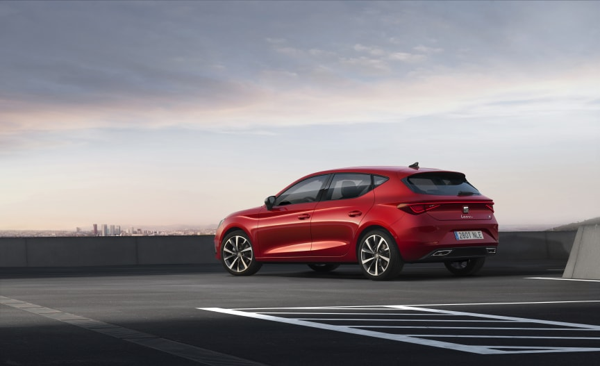 SEAT-launches-the-all-new-SEAT-Leon_03_HQ