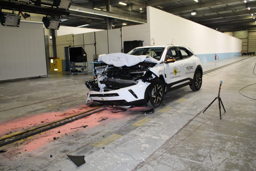 OpelVauxhall Mokka - Full Width Rigid Barrier test after crash.JPG